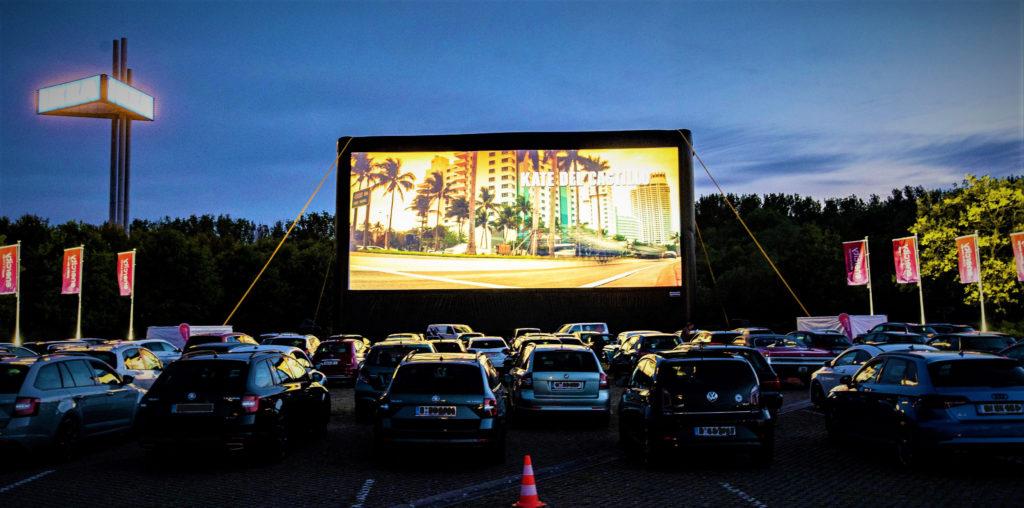 Rent Outdoor Movie Screen - Phoenix Design Group